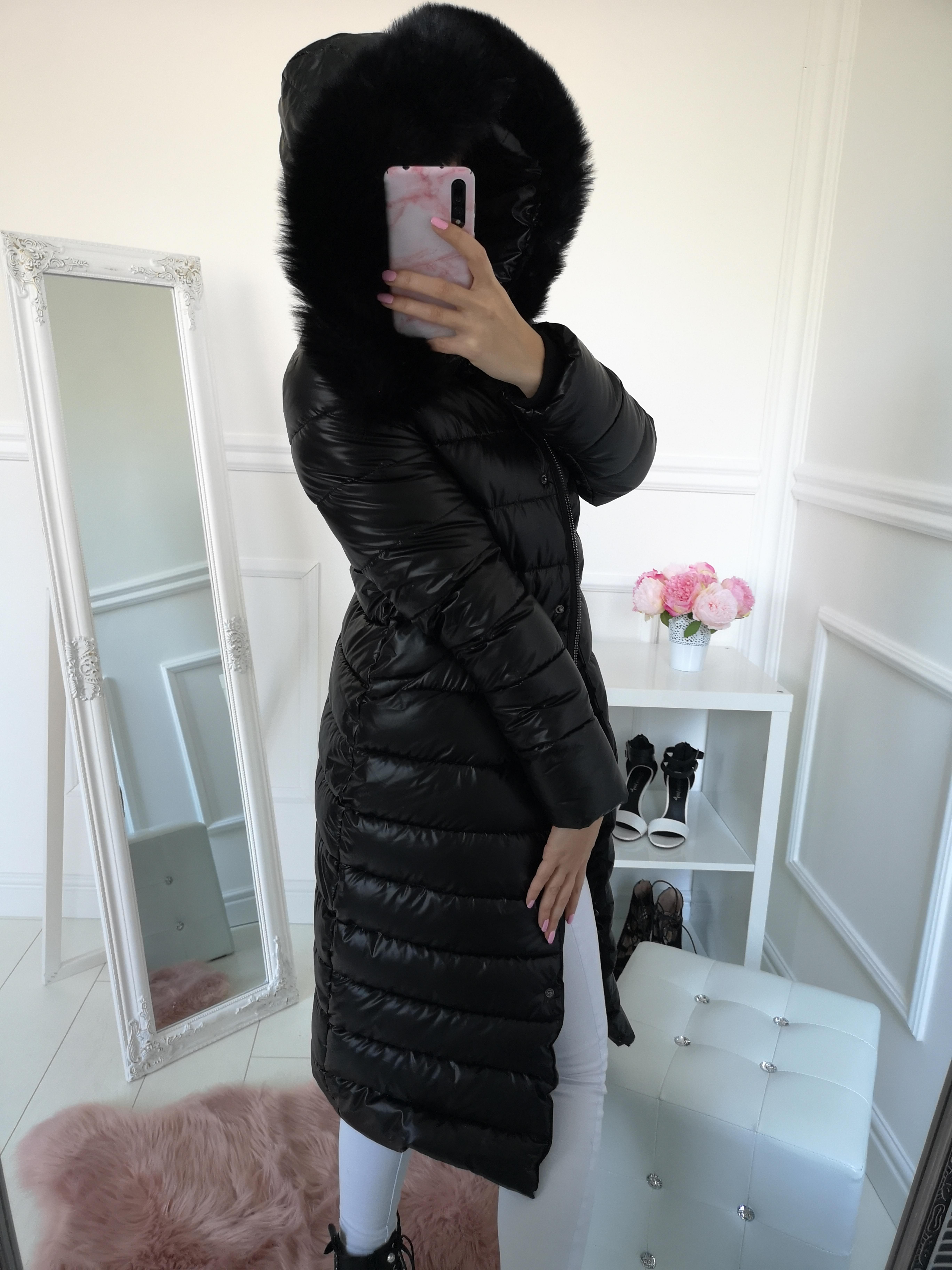 5bd7d1db391b Dlhá zimná prešívaná bunda čierna - Elise.sk